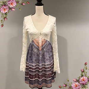 Beautiful boho bell sleeve lace dress